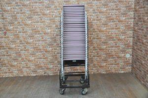 コクヨ スタッキングチェア JOIFA606 2014年製 30脚 ピンク 合成ビニール 台車付を買い取りました!(^_-)-☆