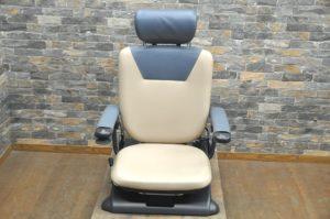 イトーキ アシストチェア らくっと-1 RC01 100V リクライニング 電動椅子 介護 移動 歩行 介助 補助 シニアを買い取りました!(^_-)-☆