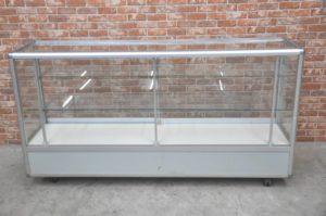 コクヨ ガラスショーケース W1800×D450×H950 ディスプレイ 店舗什器 照明を買い取りました!(^_-)-☆