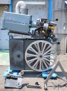 ジーベックス Xebexシネマ映写機 HiBeam 映画館実使用 本格映写機を買い取りました!(^_-)-☆