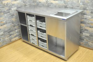MARUZEN マルゼン ステンレス製 シンク付き作業台 W1350×D600×H860 収納棚 キャビネット 食洗機用ラック付を買い取りました(^_-)-☆