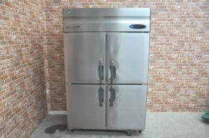 HOSHIZAKI ホシザキ 縦型冷蔵庫 HR-120Z-ML 業務用4ドア 2015年製を買い取りました(^_-)-☆