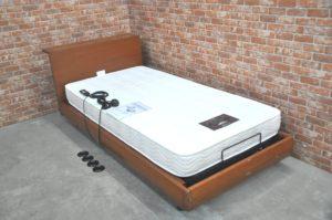 シモンズ マキシマ リクライニング 電動ベッド マットレス付 介護ベッド 寝室 寝具 睡眠を買い取りました(^_-)-☆
