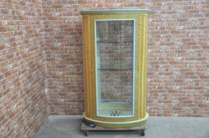キュリオケース  飾り棚 ディスプレイ ガラスショーケース 収納棚を買い取りました(^_-)-☆