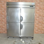 フクシマ 縦型冷凍冷蔵庫 URD-152PMD6 業務用4ドア 2017年製 冷凍ストッカー フリーザーを買い取りました♪(^_-)-☆