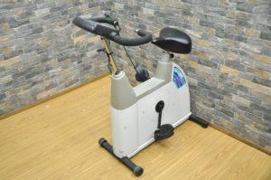 Combi コンビ エアロバイク EZ101 フィットネスバイク トレーニングマシン ジムマシン ダイエット エクササイズを買い取りました(^_-)-☆