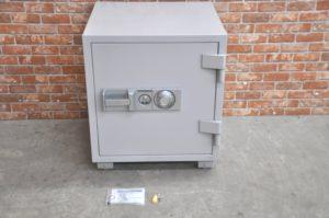 Daiamond Safe ダイヤセーフ 耐火金庫 DTS70 73L ダイヤル式 鍵付 業務用を買い取りました♪(^_-)-☆