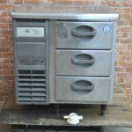 フクシマ 台下冷蔵庫 YMD-080RM2 業務用3ドロア 2015年製 W755×D750×H815 コールドテーブルを買い取りました♪(^_-)-☆