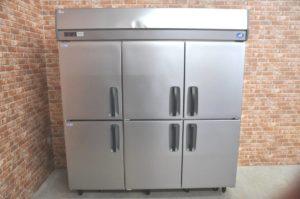 Panasonic パナソニック 縦型冷凍冷蔵庫 SRR-K1881C2 業務用6ドア 2015年製 フリーザー 冷凍ストッカーを買い取りました♪(^_-)-☆