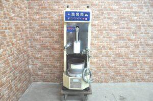 品川工業 小型自動餅搗機 もちやさん ANTS-03 三相200V 60Hz 餅つき 練り機 こね機 業務用を買い取りました♪(^_-)-☆