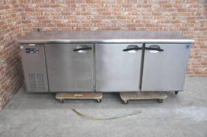 Daiwa ダイワ 台下冷蔵庫 7061CD-EC 業務用3ドア コールドテーブルを買い取りました♪(^_-)-☆