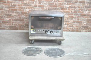 キタザワ クリスピーピザオーブン KP-R-T 三相200V ピザ窯 業務用を買い取りました♪(^_-)-☆