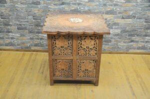 チーク材 アジアン サイドテーブル 木製 木彫り 透かし彫り 折りたたみを買い取りました♪(^_-)-☆