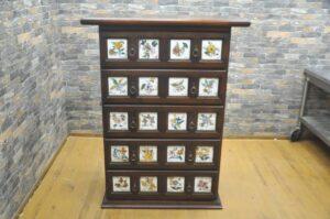 スペイン家具 アクタス バレンシアチェスト タイル 5段 タンス 箪笥 収納 引き出しを買い取りました♪(^_-)-☆