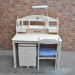 karimoku カリモク 白家具 ホワイト家具 学習机 勉強机 セット 幅110cm 奥行70cmを買い取りました♪(^_-)-☆