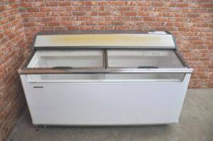 パナソニック 冷凍ショーケース SCR-151DNA 283L 100V アイスクリーム 冷凍ストッカー フリーザーを買い取りました♪(^_-)-☆